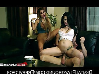 Pair of lesbian girlfriends share one big cock in a threesome