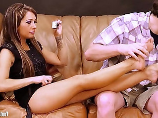 Footjob Virgin Sofia gets feet played with