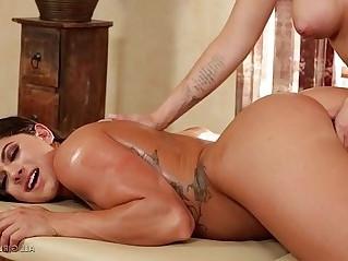 Jessa Rhodes pampers Aspen Rae Fantasy Massage