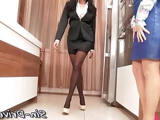 Hot lesbian babe gets rimjob